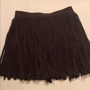 Unbelievably cute black fringe skirt sz 6 suede